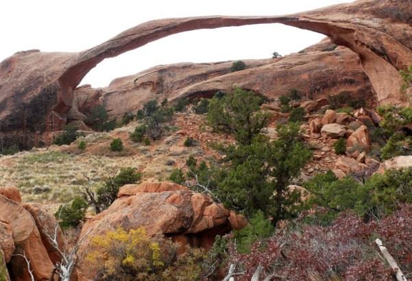 autorundreise-grand-circle-landscape-arch-im-arches-np-6d97f685-f1e1-4836-aee8-65a62650aec0