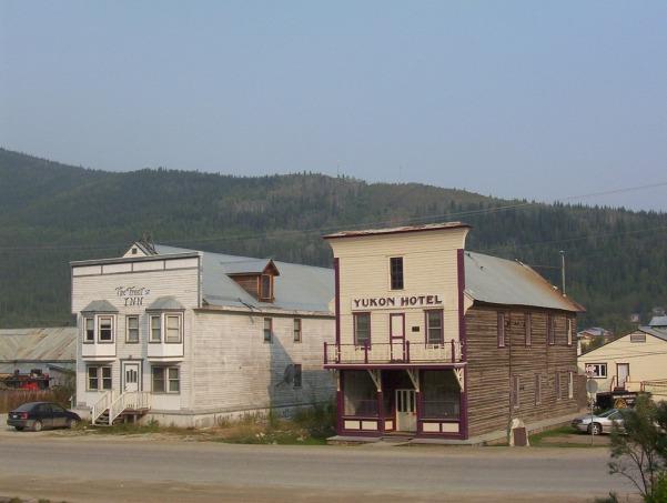 Yukon_hotel_2C_Dawson_l